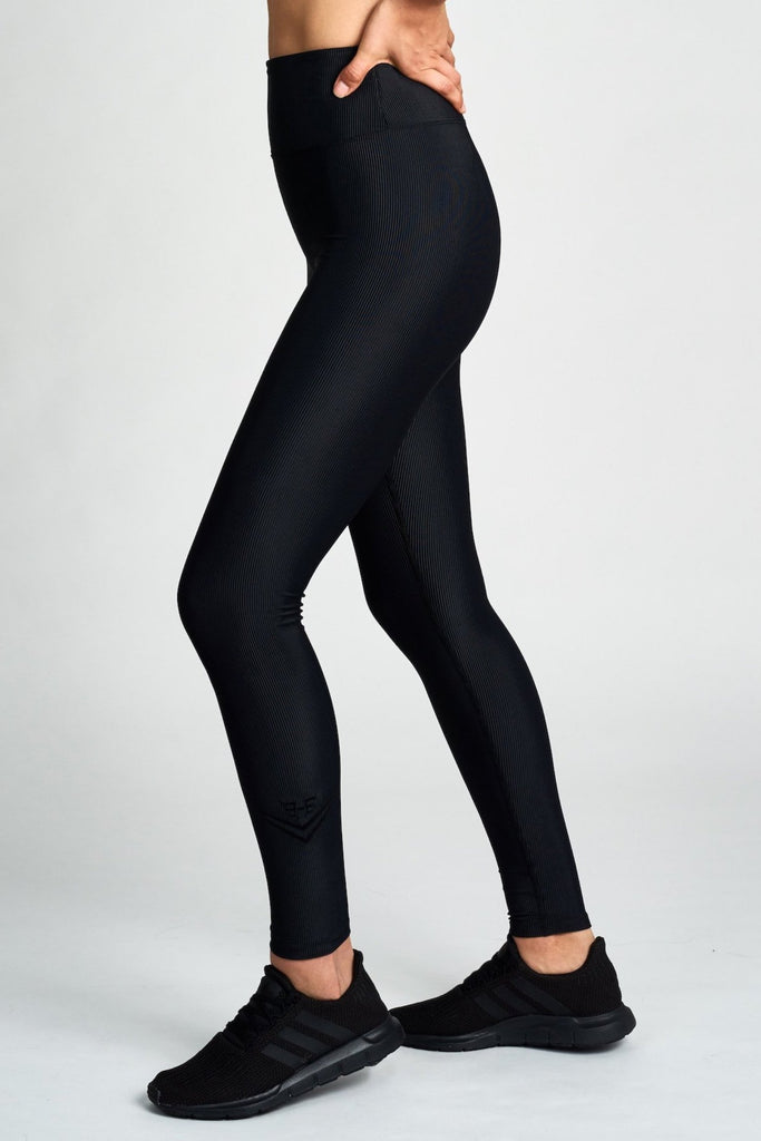 HEROINE SPORT Revive Legging Black - SPORTLES.com