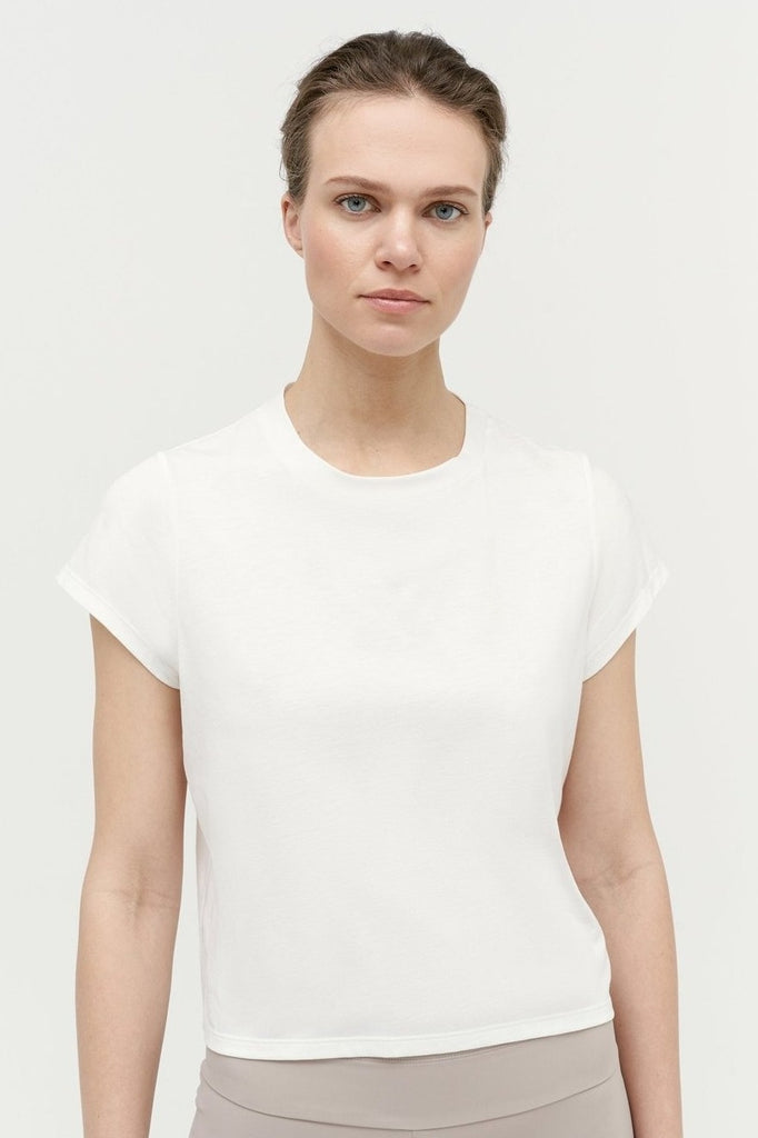 VAARA Nadia Box T-shirt White | Shop Online SPORTLES.com