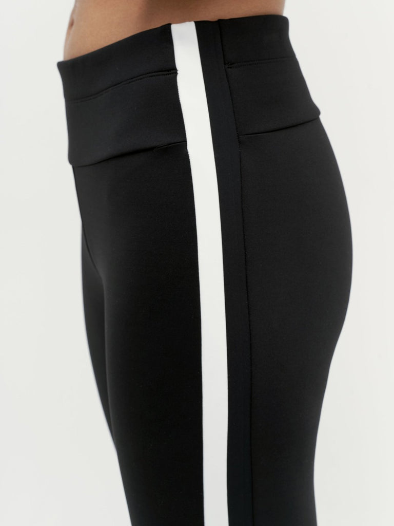 VAARA Tyler Bi-knit Legging Black | Shop Online SPORTLES.com