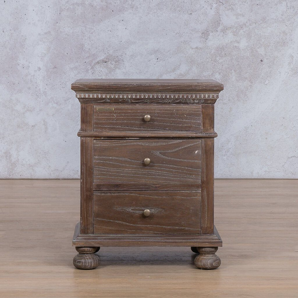 Alexander Bed Pedestal | Antique Coffee | Leather Gallery