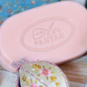 La Vie en Rose, the Soap full of love