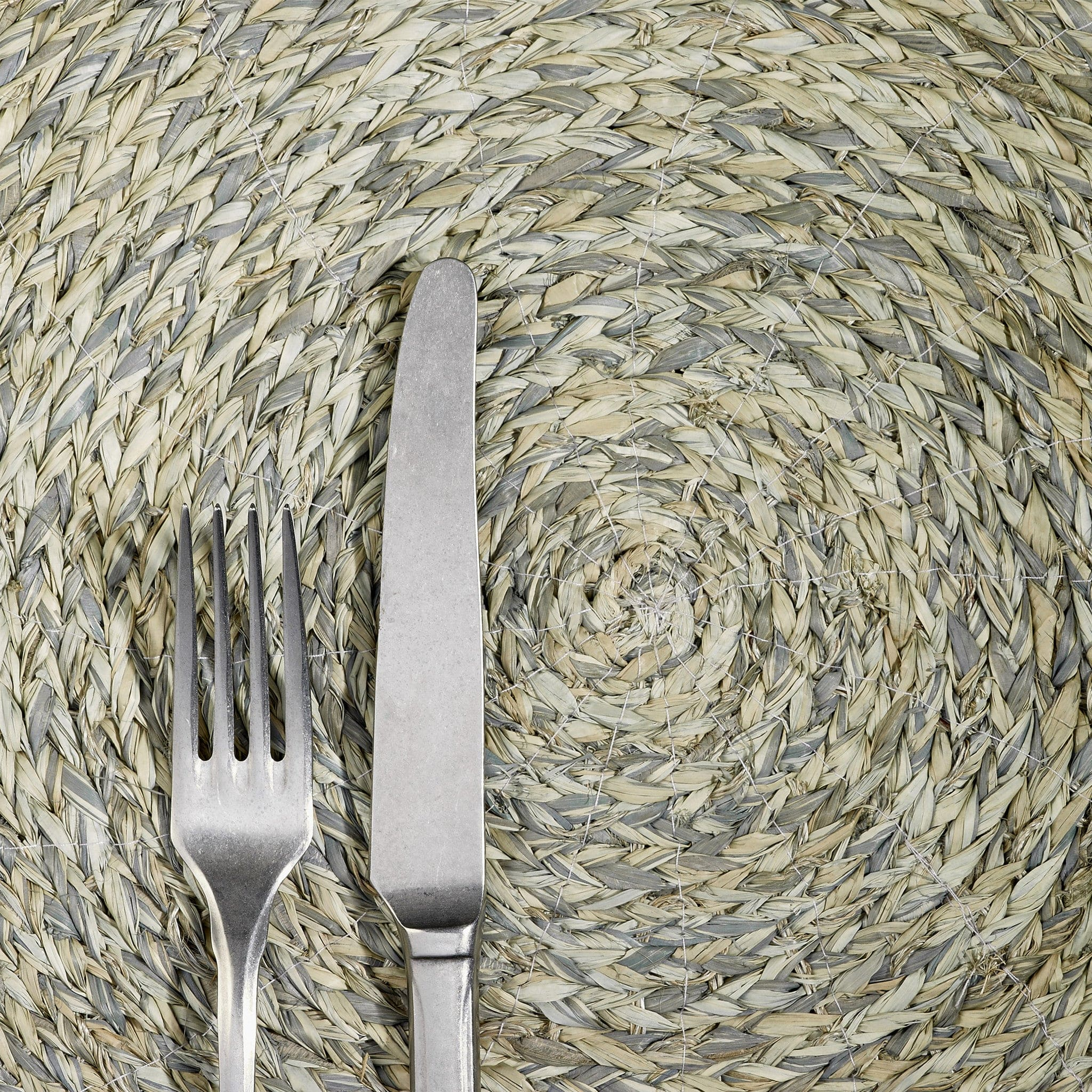 Round Raffia Placemat in Kit