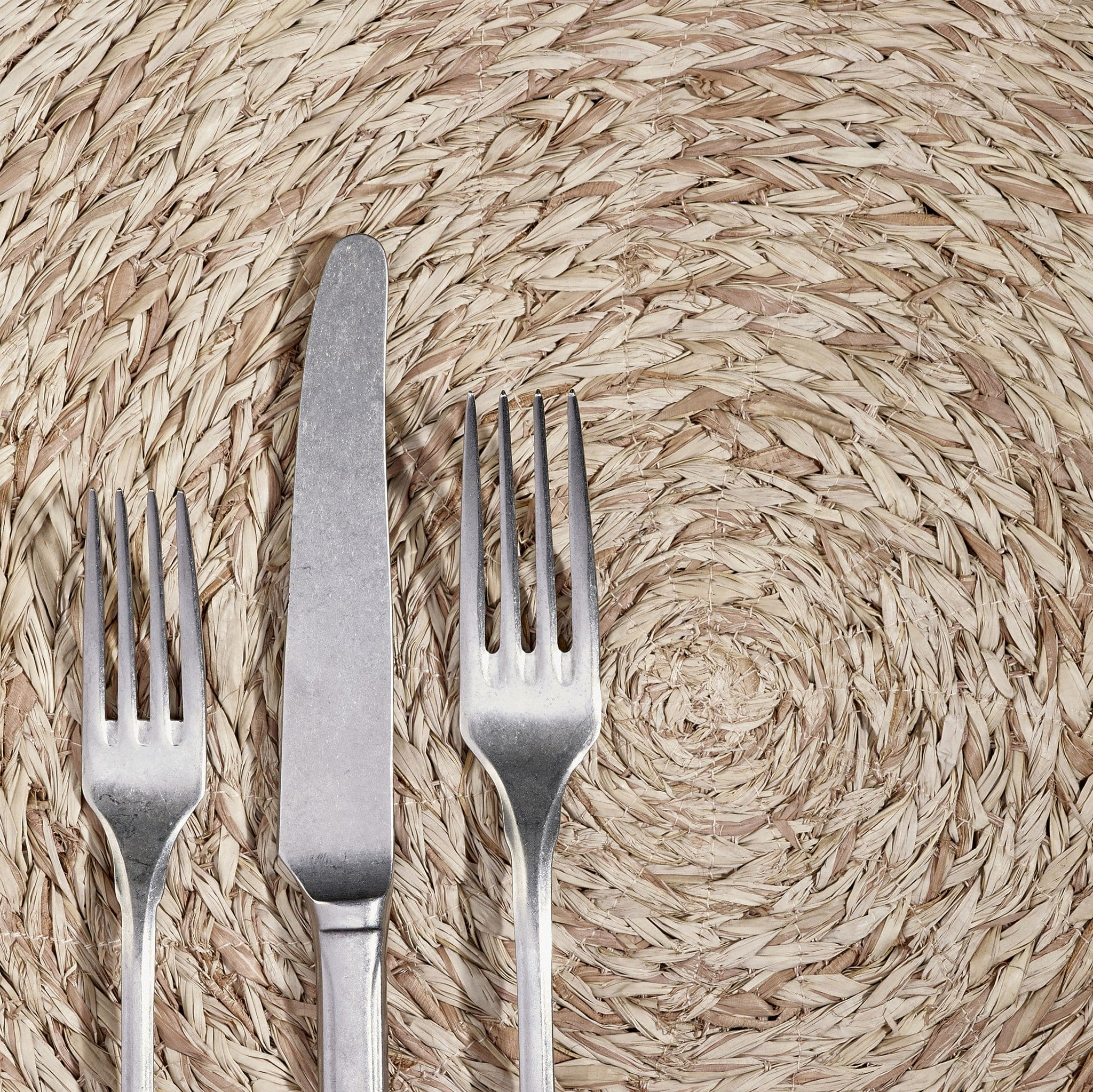 Round Raffia Placemat in Rose