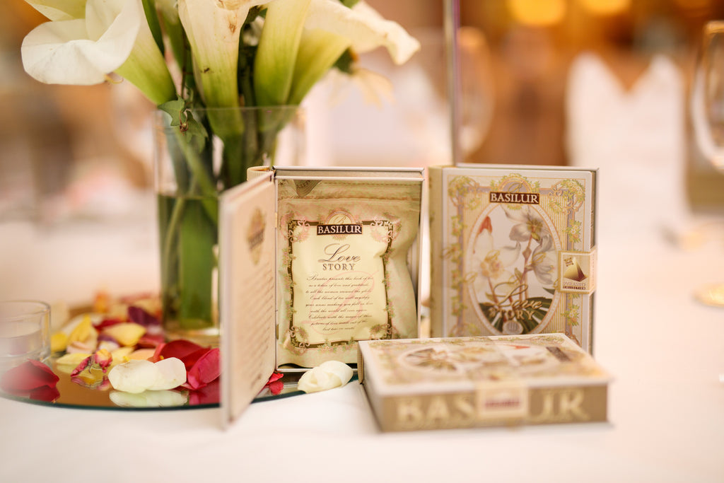 Wedding Favours And Gifts: Tea Bomboniere And Wedding Favours