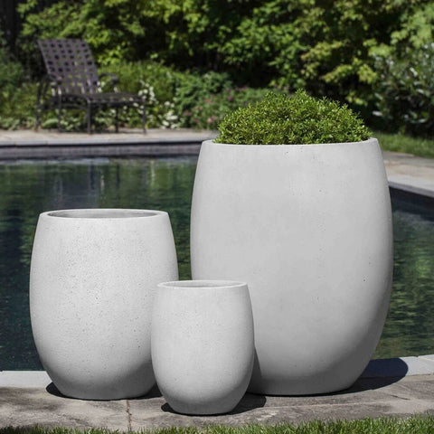 Laguna Planter in Playa Blanca - Set of 3 large outdoor planters