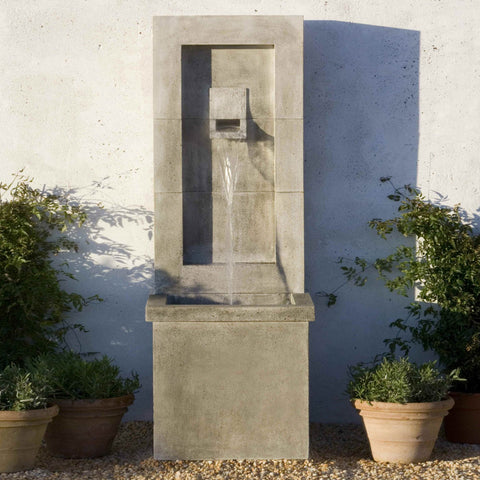 Moderne Wall Outdoor Fountain