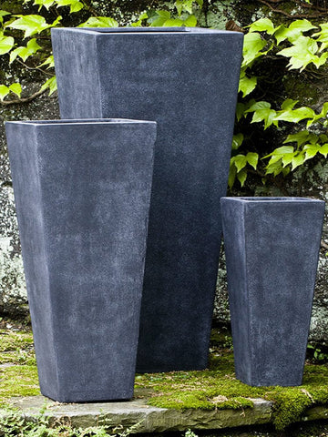 Ario Lead Lite Planter - Outdoor Art Pros