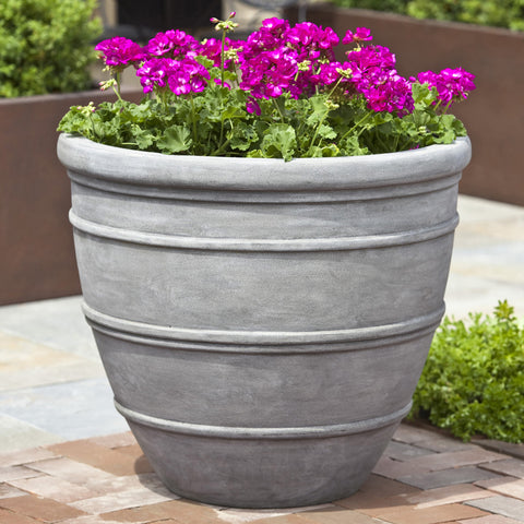 Avendia Concrete Lite Planter - Outdoor Art Pros