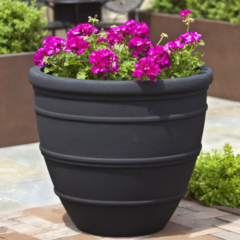 Avendia Onyx Black Lite Planter - Outdoor Art Pros