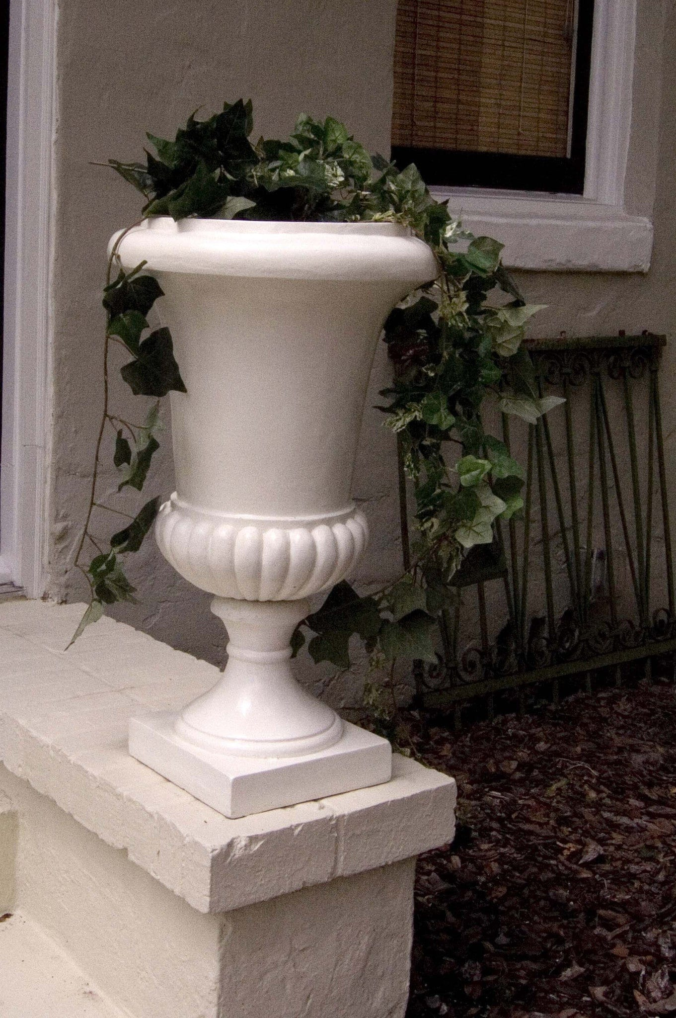 red hill detail qcp quail round urns planters qr planter in urn