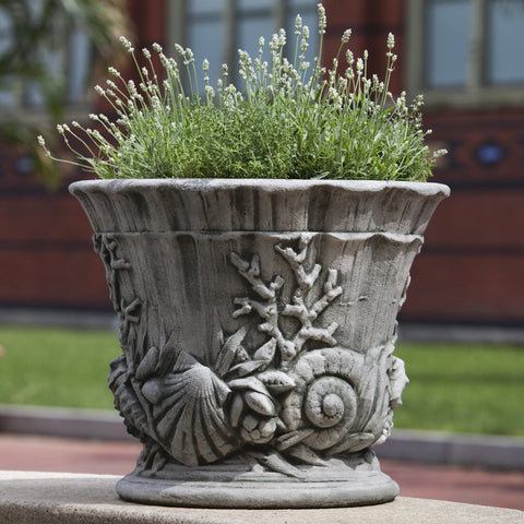 Smithsonian Chesapeake Urn Garden Planter - Outdoor Art Pros