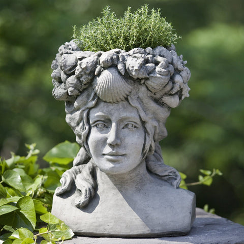 Williamsburg Orabelle Garden Planter - Outdoor Art Pros