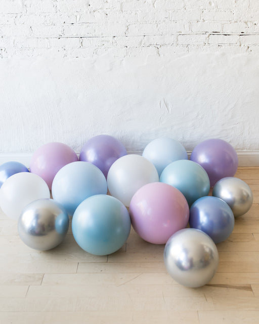 GIFT-Winter Wonderland Theme - Floor Balloons - set of 15