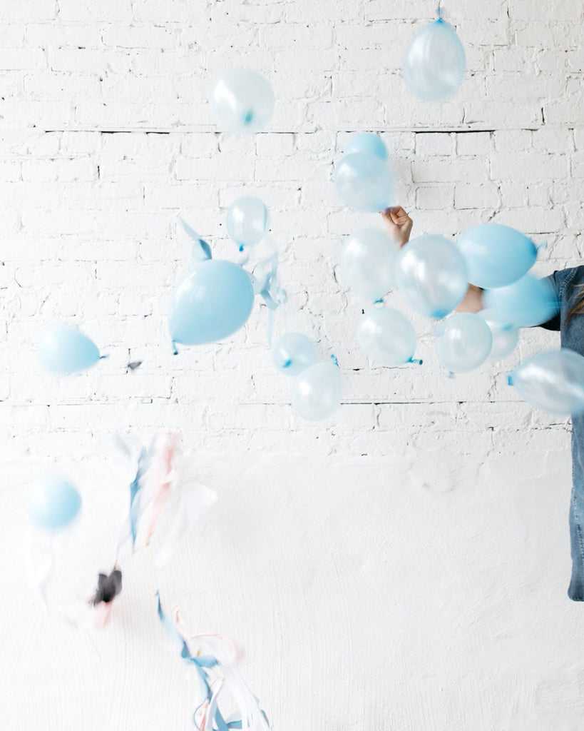 Gender Reveal Balloon & Tassel w Blue Mini Balloons Local