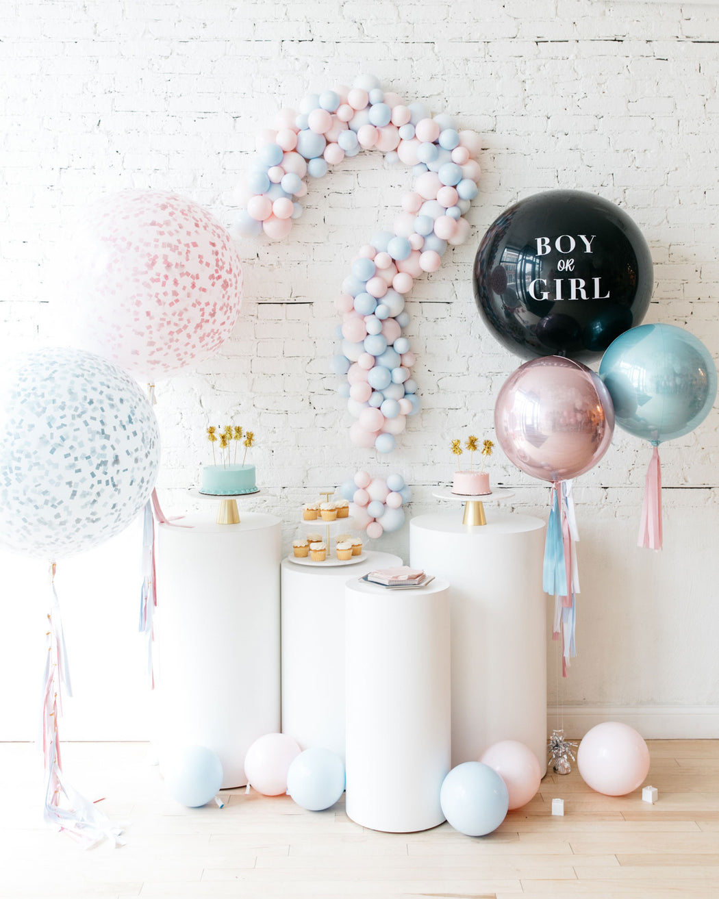 Gender Reveal - Balloon Backdrop Board
