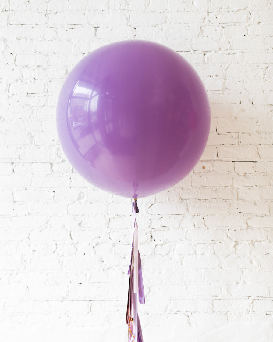 GIFT-Spring Lilac Giant Balloon and Shades of Purple Tassel