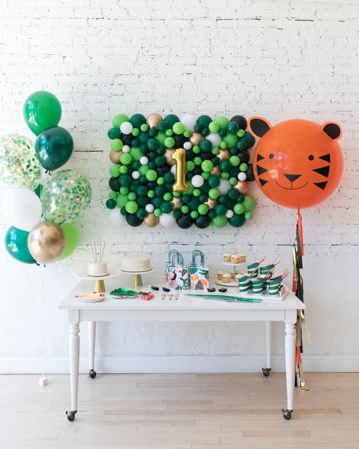 Jungle Theme Balloon Backdrop, Confetti Bouquet and Specialty Giant Set