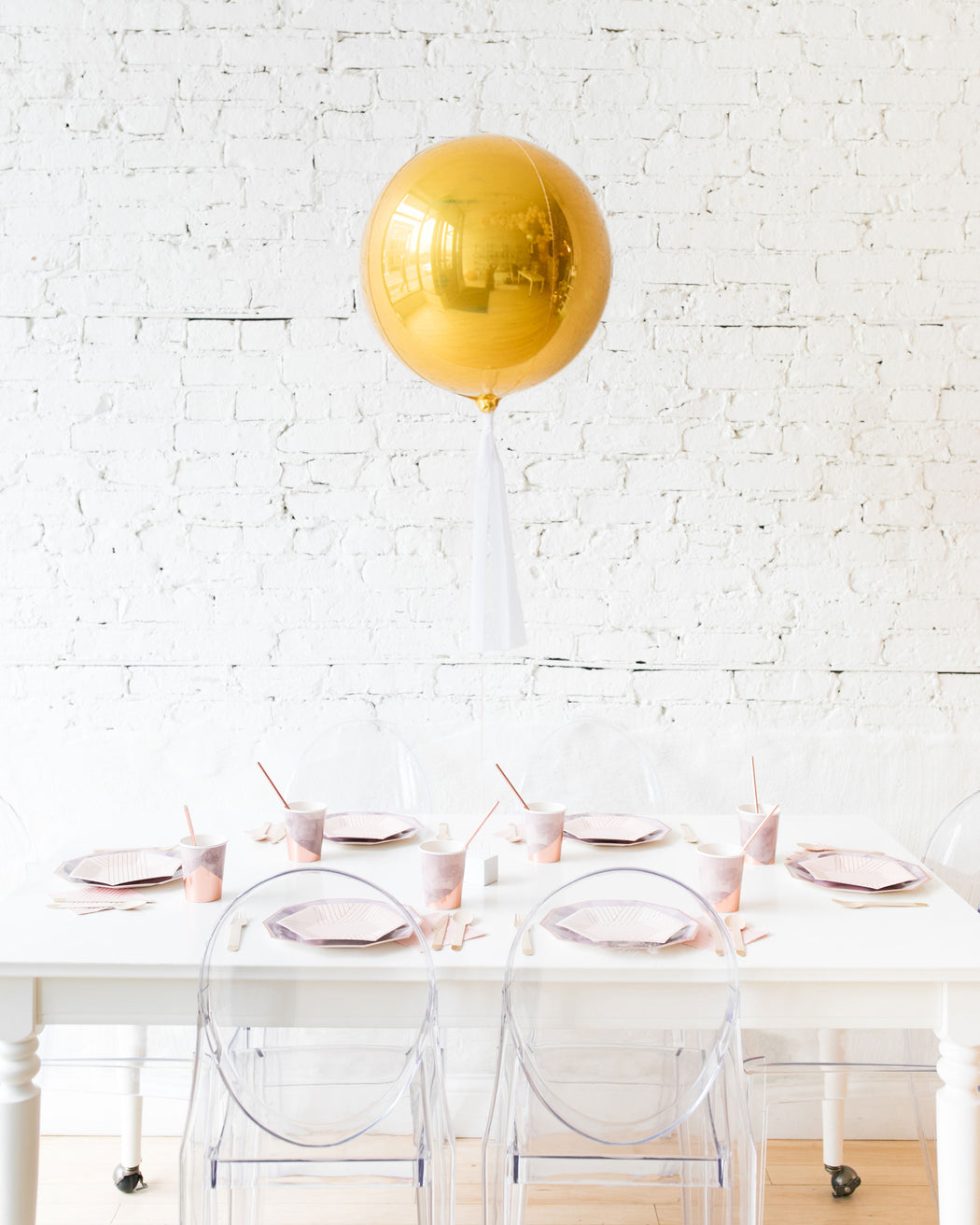 16in Gold Orb Foil Balloon and White Skirt Centerpiece