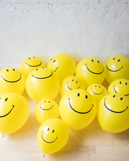 GIFT-Happy Face Floor Balloons - set of 15