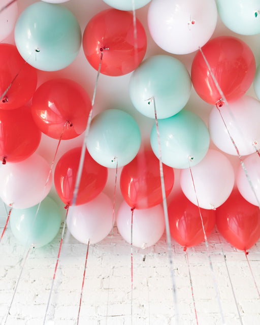GIFT-Holiday Theme - 11in Ceiling Balloons - set of 25