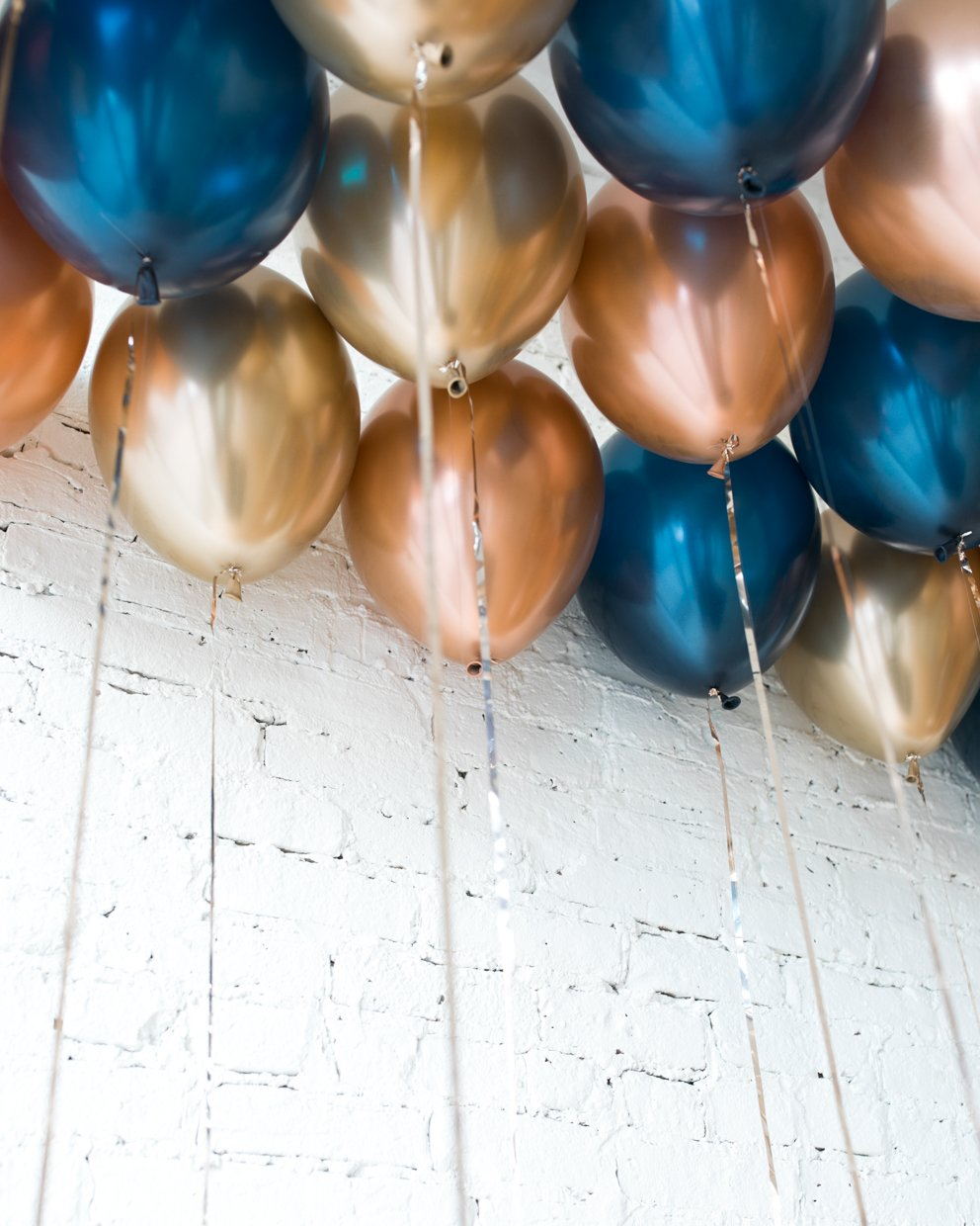 GIFT-Gold, Navy and Copper Palette 11in Ceiling Balloons - set of 25