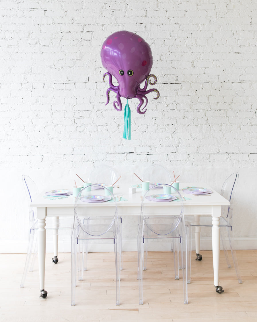 35in Octopus Foil Balloon and Turquoise Skirt Centerpiece