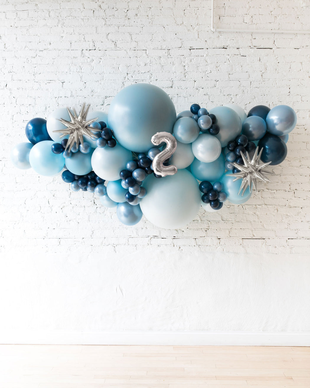 OUTDOOR-Customizable Numbers and Soft Blue Palette Balloon Garland