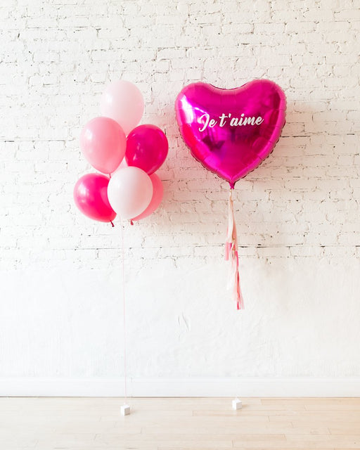 Shades of Pink Palette Bouquet and Giant Je T'aime Heart Foil Balloon Set