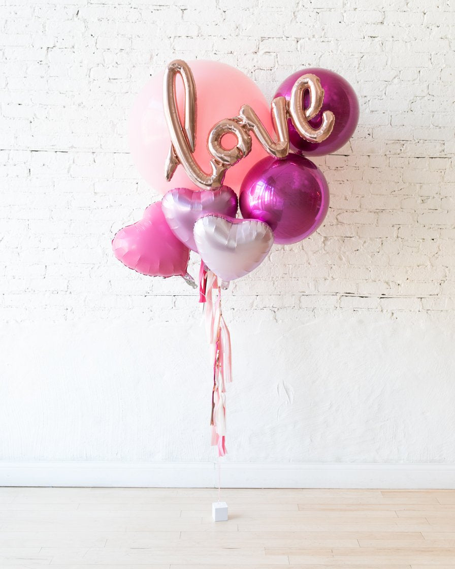 GIFT-Love Giant Script Bouquet