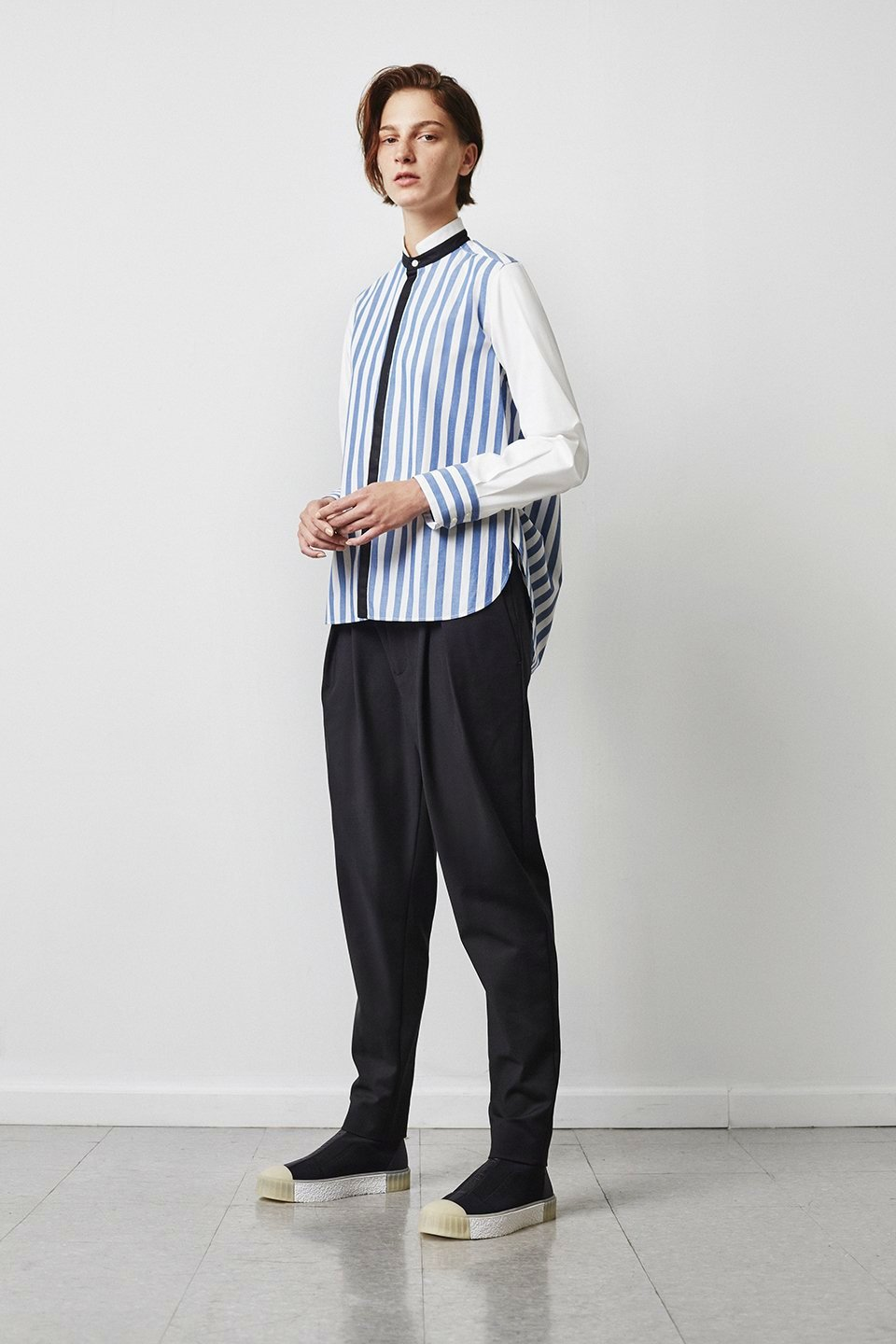 Theo 5-Pocket Pleated Pant