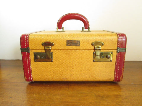Vintage Train Case by ABC Milwaukee Luggage - GirlPickers