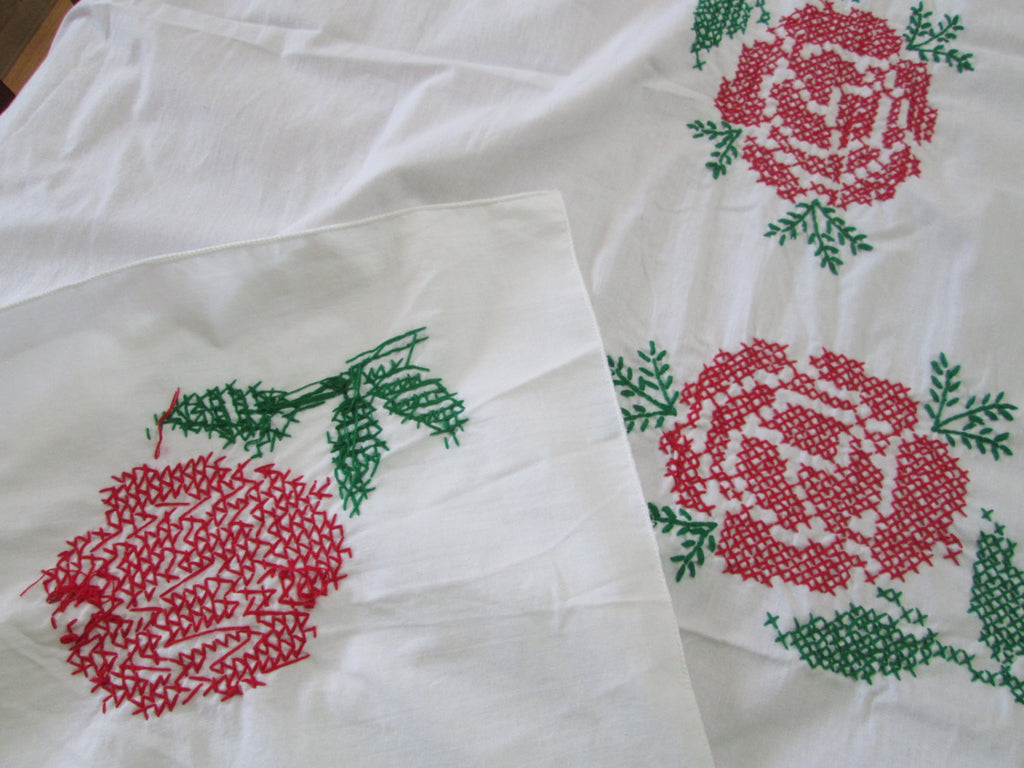 Vintage Tablecloth Red Rose Embroidered Cross Stitch - GirlPickers