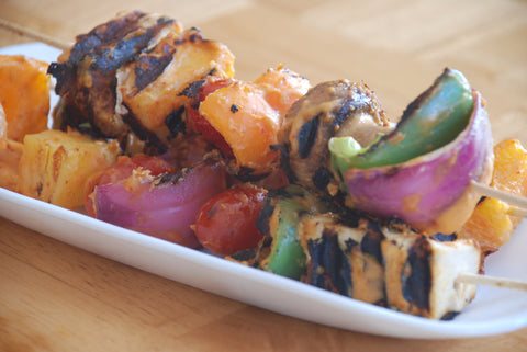 veggie kabobs with spicy peanut butter