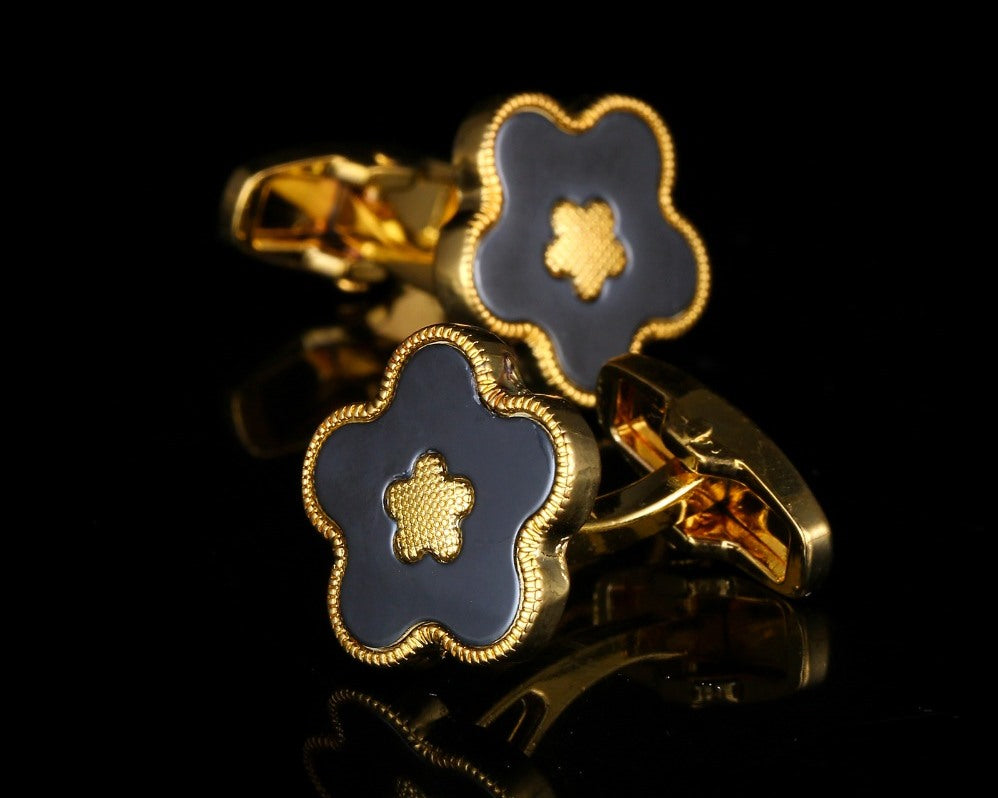 GOLD FLOWER CUFFLINKS