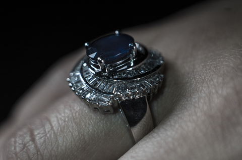 blue sapphire solitaire engagement rings