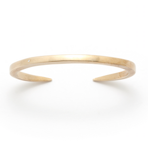 The Enzu Bracelet with Diamond in 18K