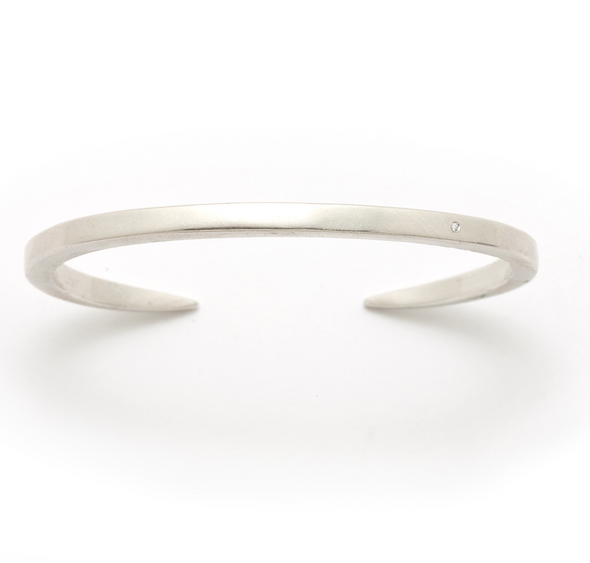 The Enzu Bracelet with Diamond in Sterling Silver