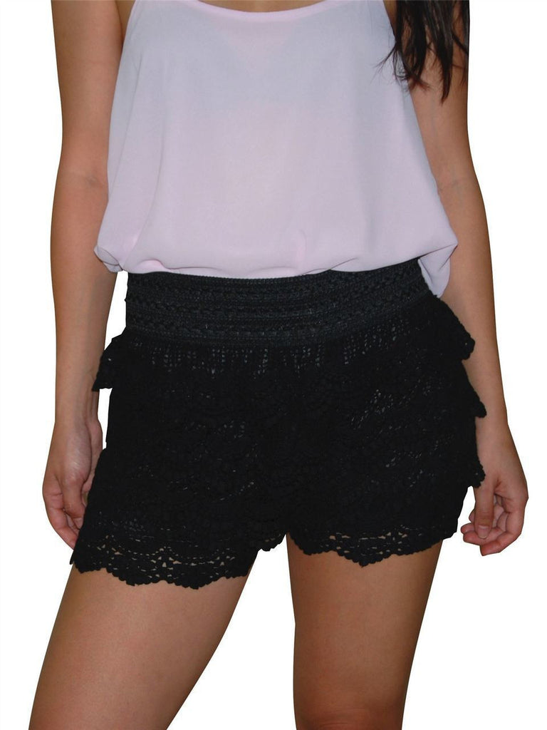 Lace Scalloped Shorts in Black