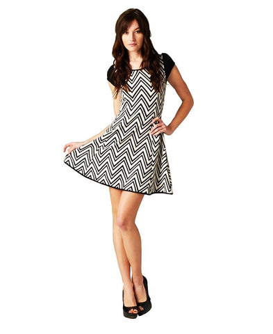 Black White Chevron Zig Zag Party Cocktail Short Sleeve Mini Dress