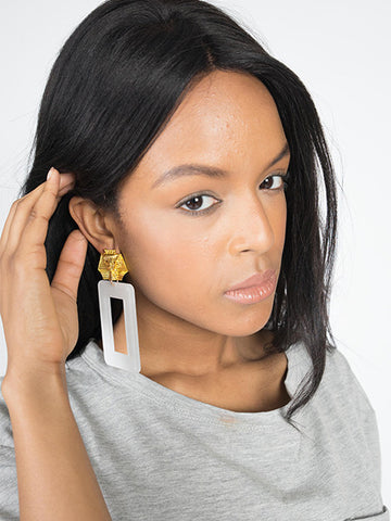 We Are Queens Square Earrings - Neue Amour