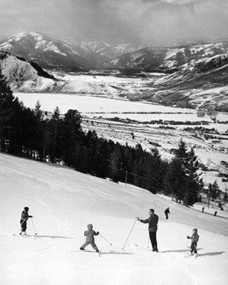 Kids on Skis with Instructor