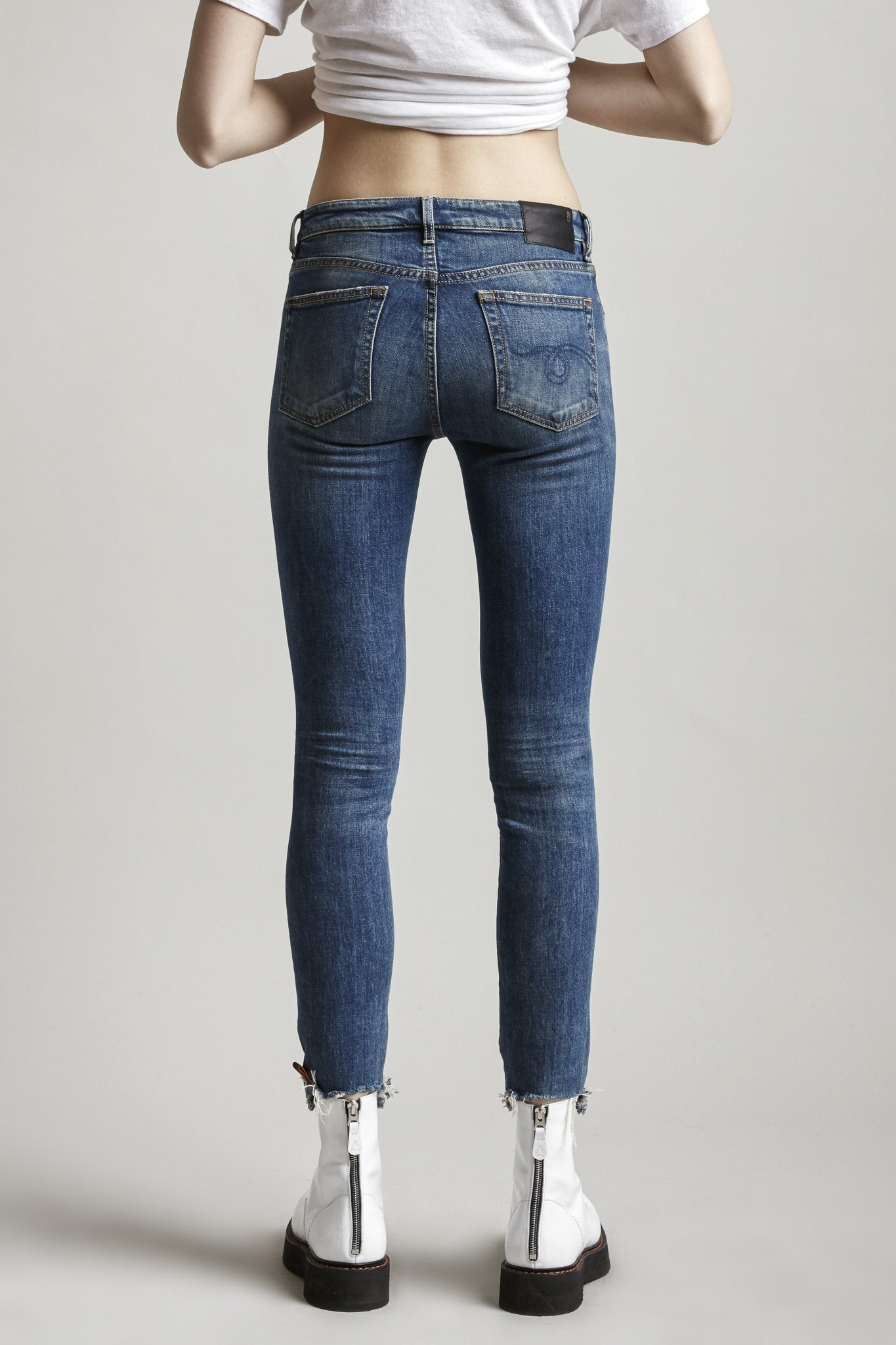 Alison Skinny - Emerson w/ Cut-off Hem