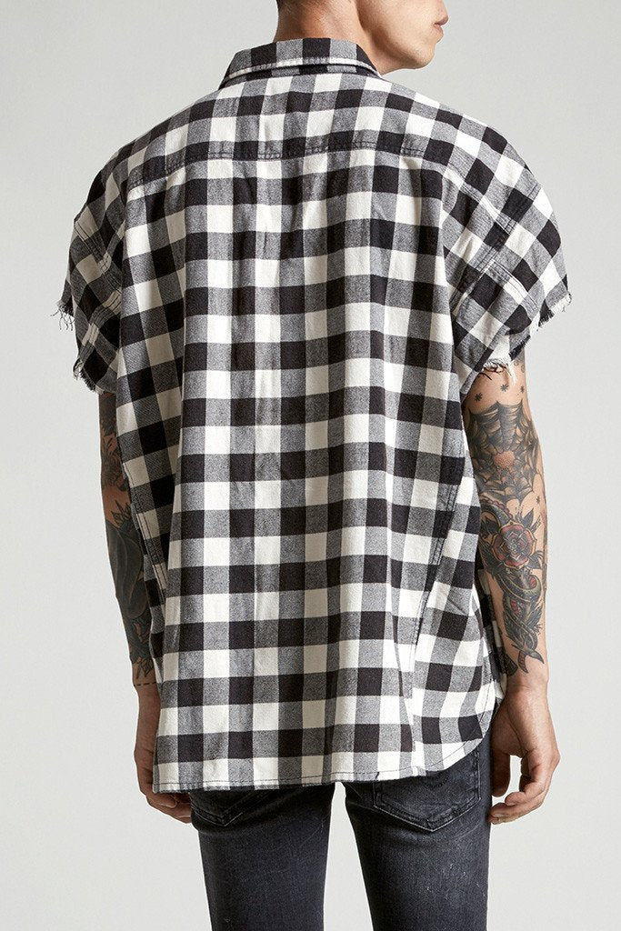 Oversized cut off shirt black plaid