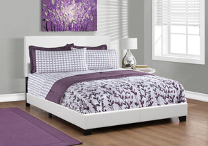 BED - QUEEN SIZE / WHITE LEATHER-LOOK     MN-215911Q