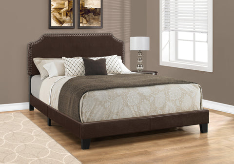 BED - QUEEN SIZE/DARK BROWN LEATHER-LOOK WITH BRASS TRIM   MN-5927Q