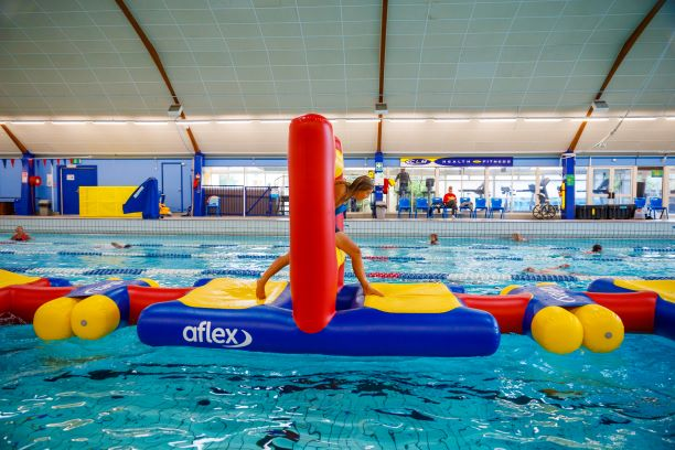 Hole in the Wall - Pools Aqua Fun - Aflex Technology