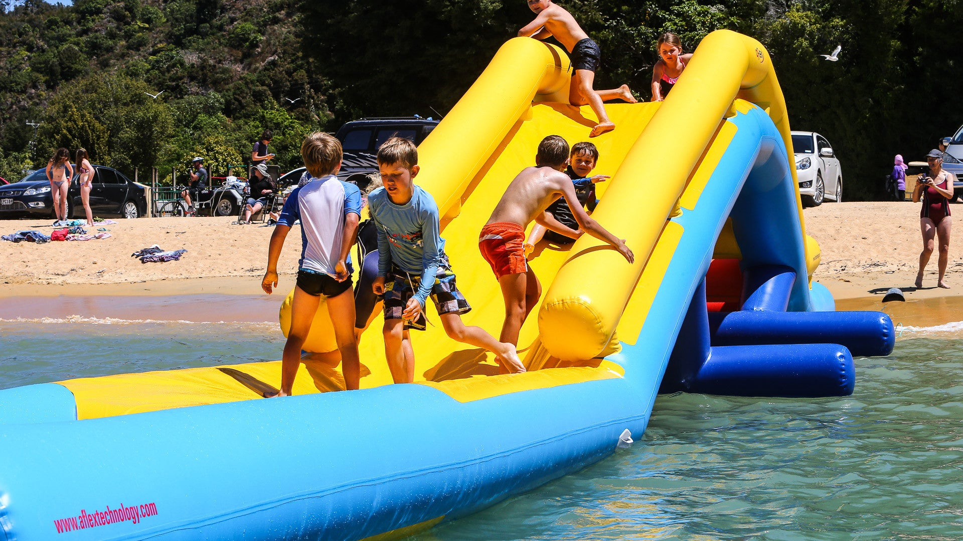 Open Water Inflatable Aqua Park Splash Over - Aflex Technology - Aqua Adventure Series