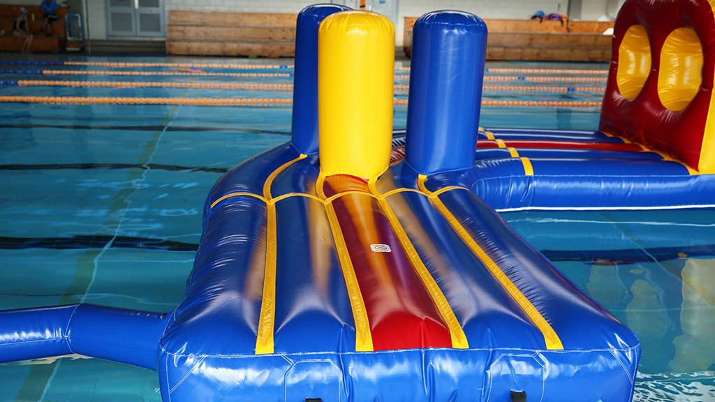 Curved Side Entry (Customisation Option) - Commercial Pool Obstacle Courses - Aflex Technology
