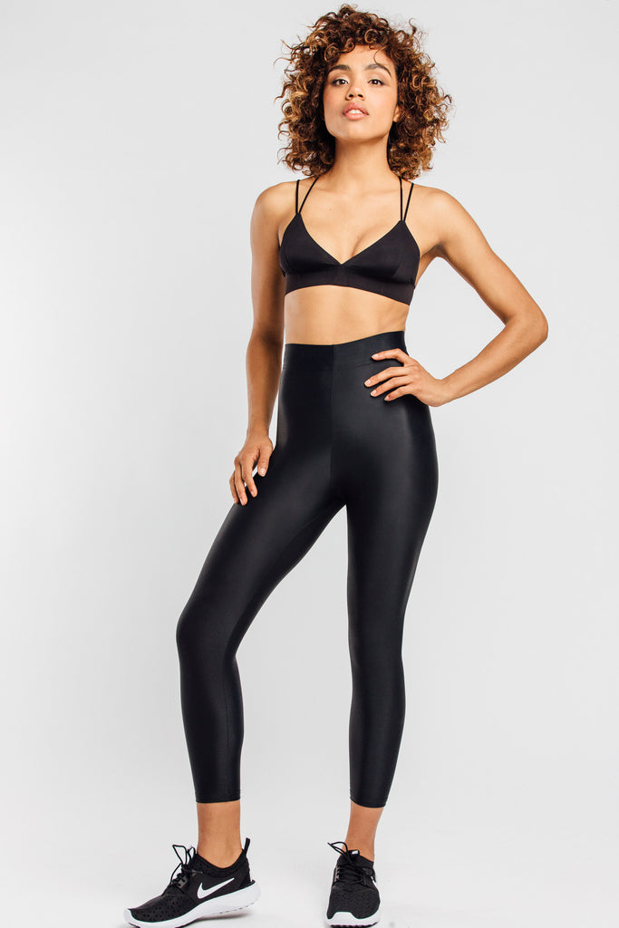 VALENXE Slimming Crop Legging with CONCĒLĀRE™ Sport Wear in Black
