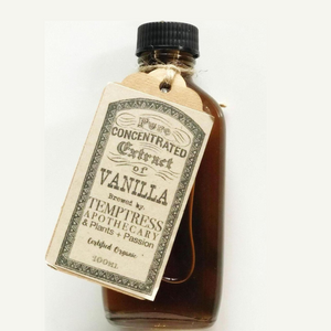 Vanilla_extract_local_organic_bottle